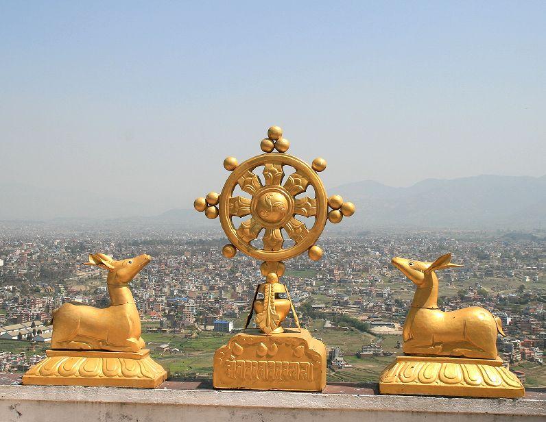 das rad der lehre dharmacakrapravartana war mit der predigt vor den fnf wanderasketen in bewegung gesetzt worden unablssig zog der buddha durch das